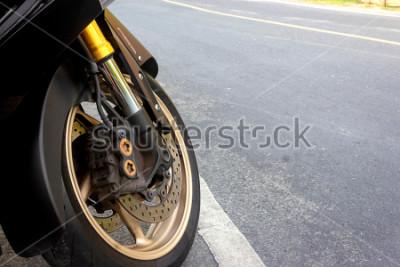 Plakat Zacisk koła przedniego i hamulec tarczowy abs motocykla dostosowane na drodze