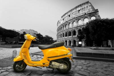 Plakat Żółty rocznik skuter na tle Koloseum