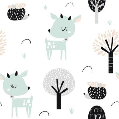 Tapeta Bezszwowy dziecięcy wzór z ślicznym rogaczem, jeż w drewnie. Kreatywnych dzieci miasto tekstury do tkanin, pakowania, włókienniczych, tapety, odzieży. Ilustracji wektorowych
