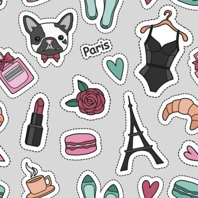 Tapeta Cute mody bezszwowych wzór z poprawki odznaki: serca, wieża Eiffla, kwiat, macaroons, bielizna, szminka, bulldog, perfumy, buty, rogalik, filiżankę kawy. Wektor modny ilustracji.