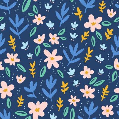 Tapeta Kolorowe kwiaty na głębokim niebieskim tle szwu wzór